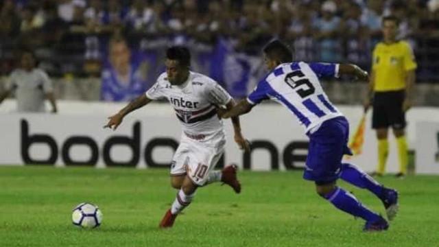 São Paulo convence no segundo tempo e avança na Copa do Brasil
