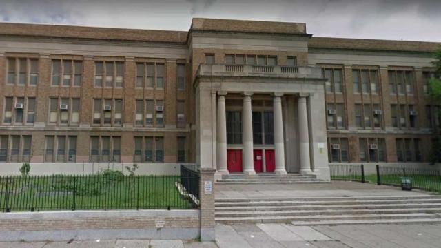 Escola fundamental é fechada após alerta de invasão na Filadélfia