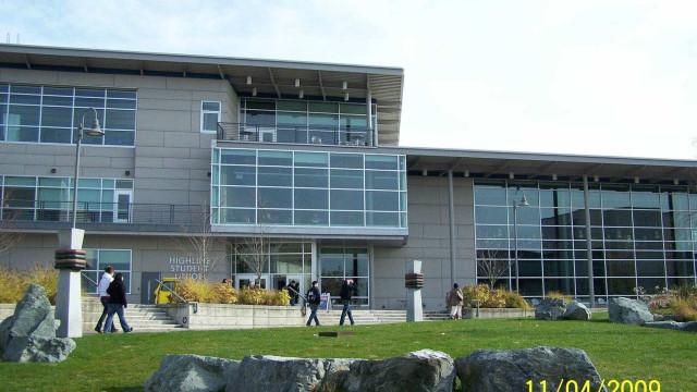Universidade em Seattle é bloqueada após alerta de tiroteio