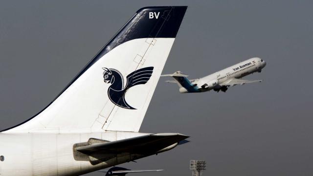Caixa-preta de avião que caiu no Irã com 65 pessoas é encontrada