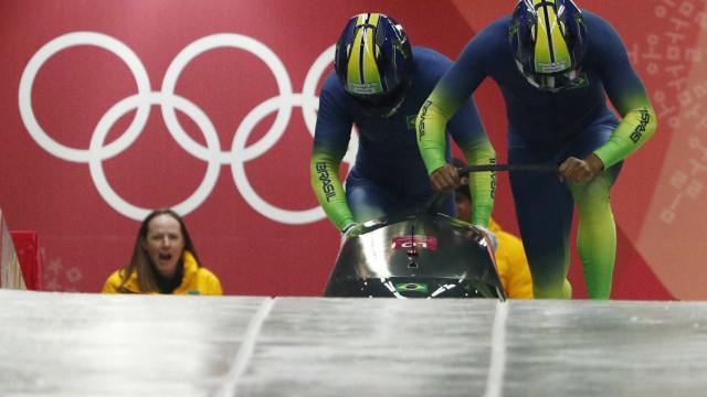 Dupla brasileira fecha primeiro dia do bobsled na 27ª posição