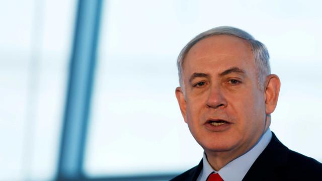 Primeiro-ministro de Israel é levado às pressas para hospital