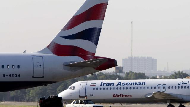 Operações de busca de avião iraniano são suspensas