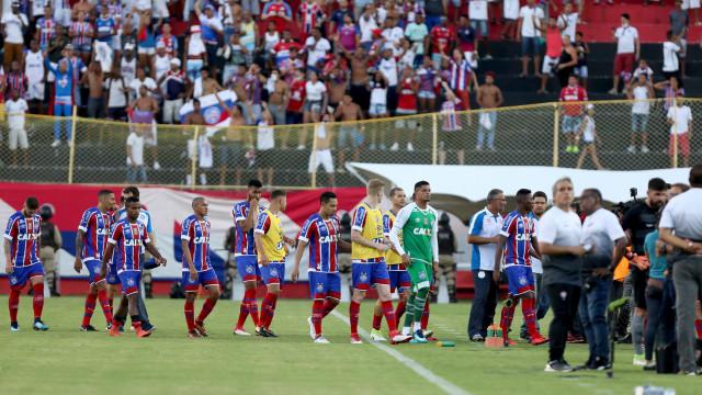 Vitória cobra Bahia por danos causados pela torcida no Barradão