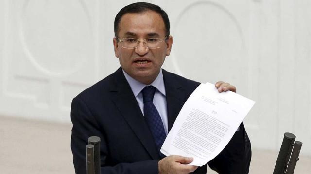 Entrada de tropas sírias causará catástrofe, diz vice-ministro turco