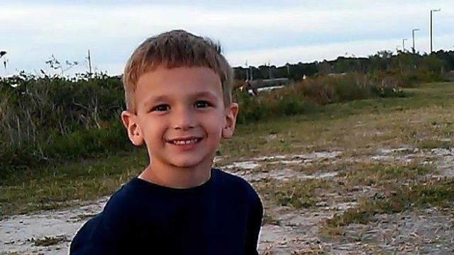 Mãe mata filho de cinco anos atropelado