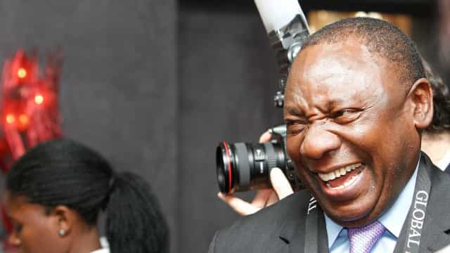 Ramaphosa promete duras medidas para melhorar África do Sul