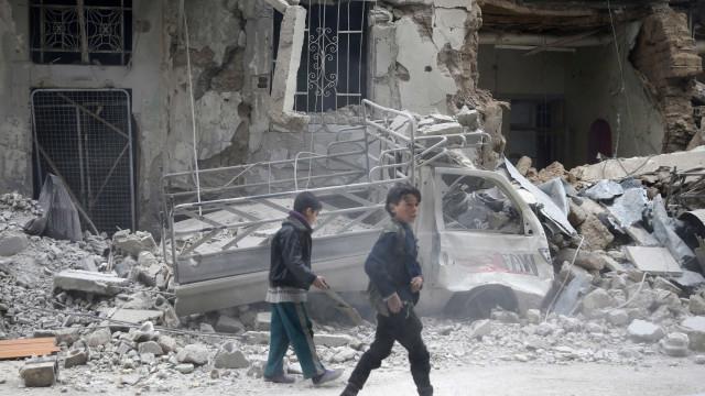 Forças do governo sírio retomam bombardeios em Ghouta Oriental