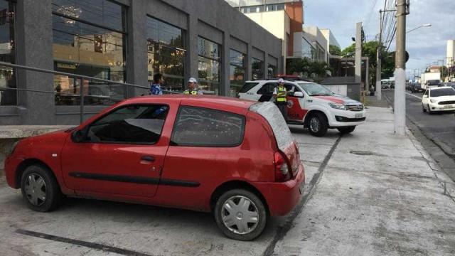 Carro com quase R$ 3 milhões em multas é apreendido em SP