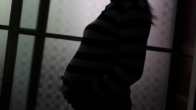 Promotoria pede soltura de grávida de 9 meses presa por furto de comida