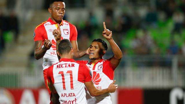 Santa Fé vence outra vez e entra no grupo do Fla na Libertadores