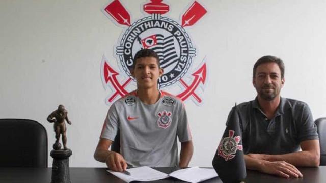 Novo reforço do Corinthians vivia de bicho em peladas até o ano passado