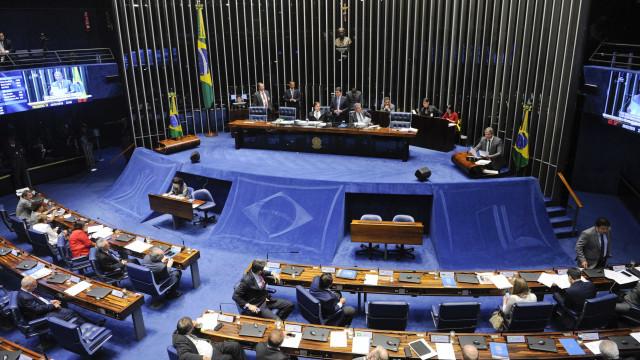Intervenção federal no Rio de Janeiro divide opiniões no Senado