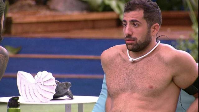 Kaysar é criticado ao perguntar se Jéssica vende parte íntima do corpo
