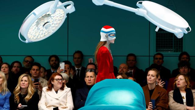 Veja as melhores fotos do primeiro dia do Fashion Week Milão