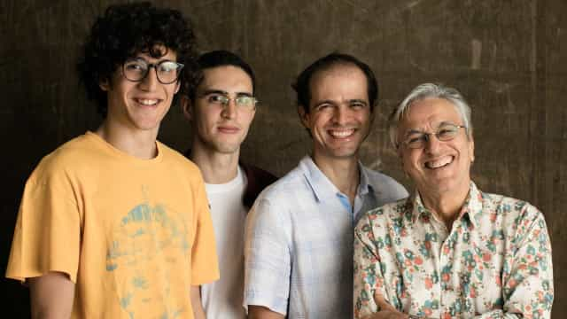 Caetano Veloso fará show em Roma com seus filhos