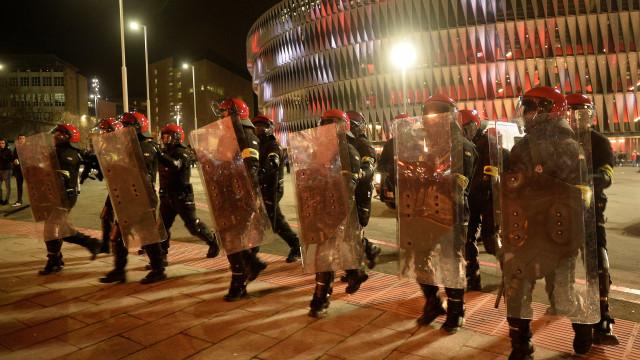 Policial morre em confronto com torcedores do Spartak na Espanha