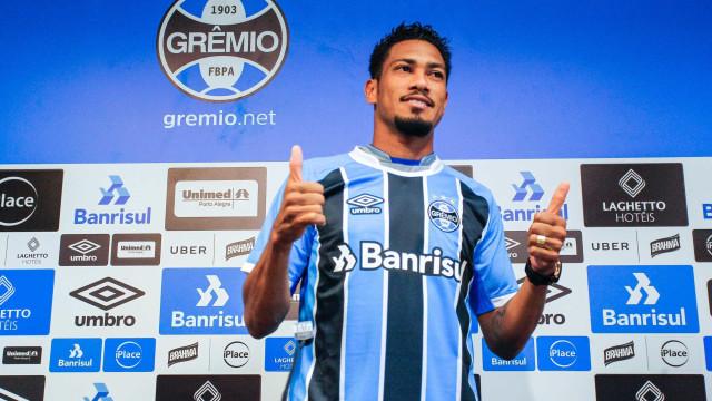Hernane diz estar 100% e espera estrear pelo Grêmio no sábado
