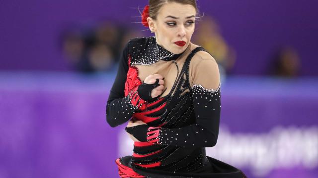 Mesmo sendo a última na final, patinadora brasileira faz história