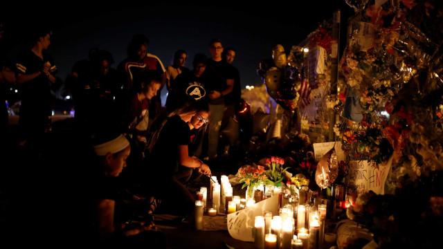 Policial não reagiu ao tiroteio em escola da Flórida