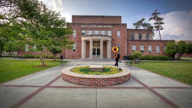 Tiroteio em universidade dos Estados Unidos deixa dois feridos