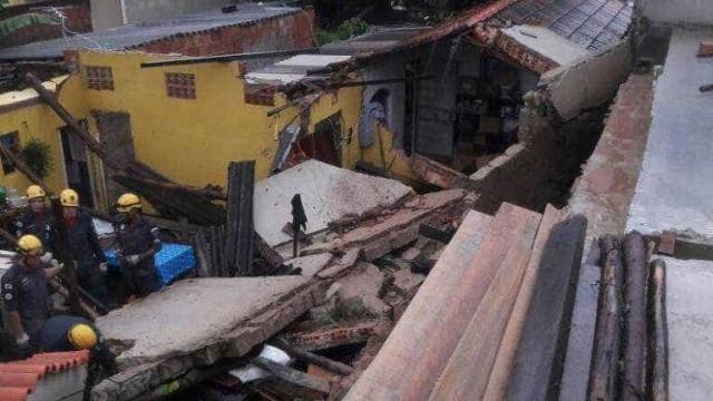 Temporal deixa um morto após desabamento em Minas Gerais