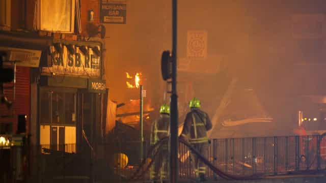 Ao menos 4 hospitalizados após explosão na Inglaterra