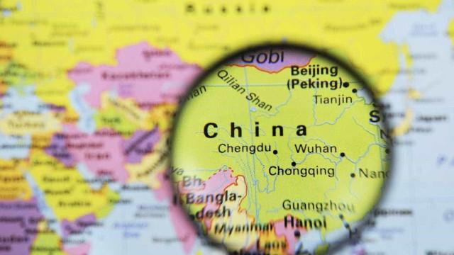 China planeja rodovia de painéis solares para carregamento de carros