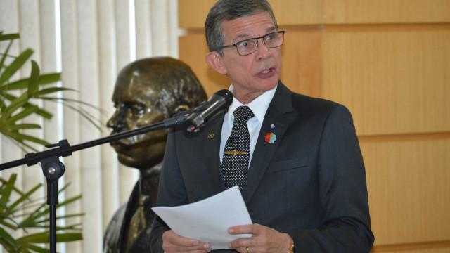 General Silva e Luna é o 1º militar a assumir Ministério da Defesa