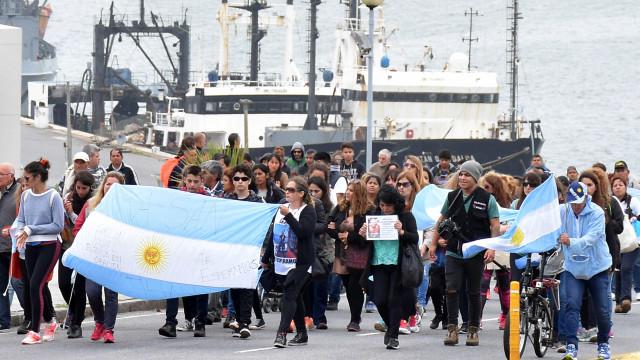 Argentina detecta 'sinal importante' de submarino desaparecido