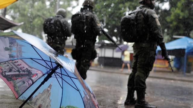 Exército vai deixar comunidade 'modelo' de intervenção no Rio