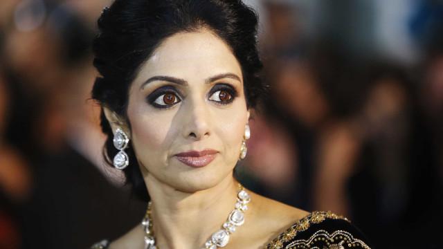 Atriz de Bollywood Sridevi Kapoor morreu afogada em banheira