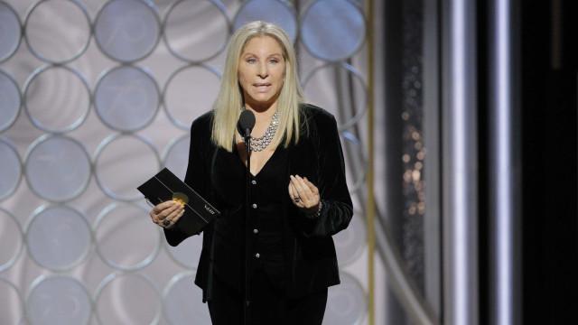 Barbra Streisand diz ter feito dois clones de sua cadela de estimação