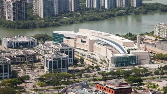 Shopping de luxo no Rio tem vazamento de esgoto em lagoa