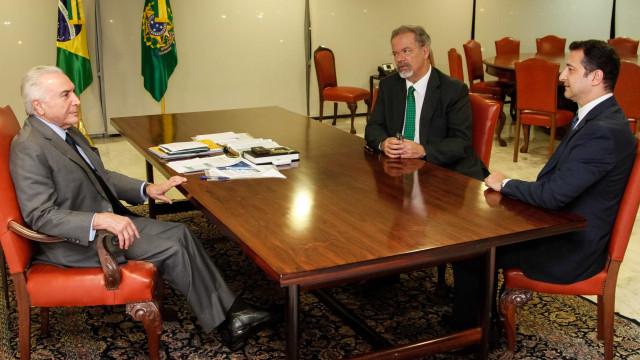 Após troca, Temer recebe novo diretor-geral da PFno Planalto