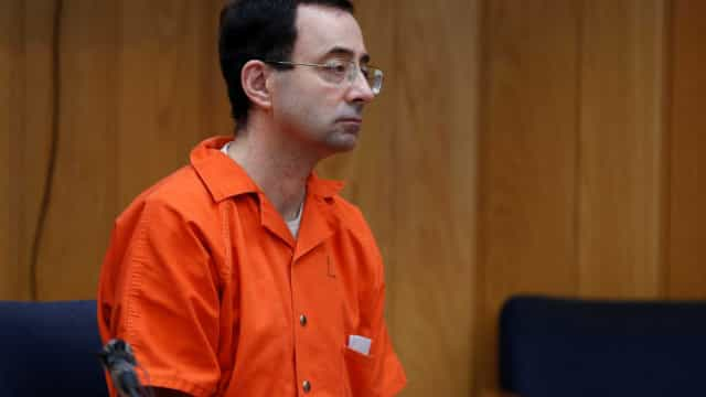 Médico condenado por abuso na ginástica sofre denúncia de homem