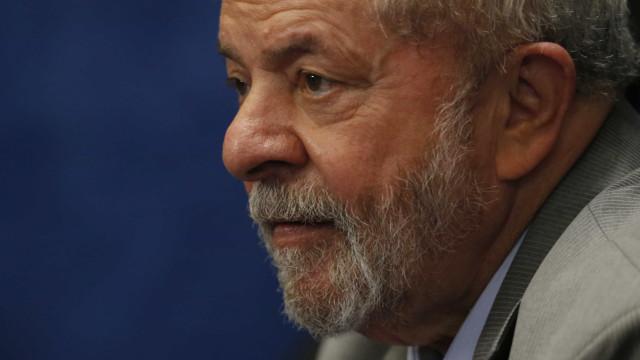 Lula diz que usará todos os recursos para garantir candidatura