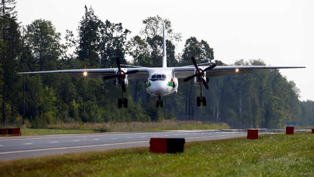 Avião russo cai na Síria e deixa 32 pessoas mortas