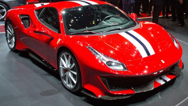 Ferrari apresenta a 488 Pista, seu modelo mais potente; veja fotos