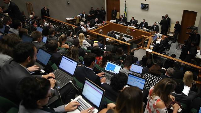Por unanimidade, STJ nega habeas corpus e vota pela prisão de Lula