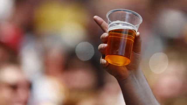 Venda de cerveja cresce até 50% em dia de jogo da seleção brasileira