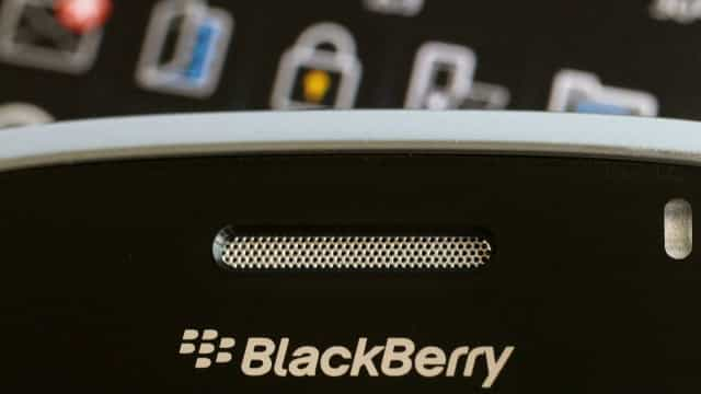 Blackberry processa WhatsApp, Facebook e Instagram por cópia