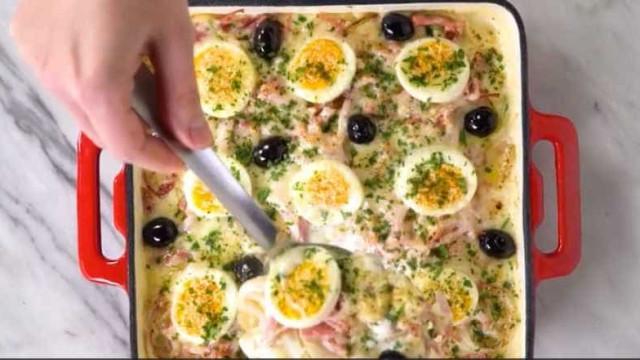 Aprenda uma receita de batata à portuguesa gratinada