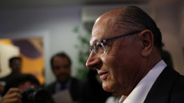 Atrás de Bolsonaro, Alckmin diz que campanha adversária está inflada