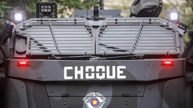 Caminhão do Choque da PM - SP está exposto em feira de segurança; veja