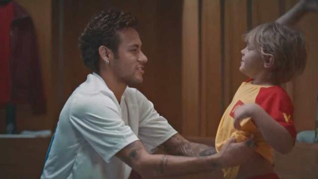 Neymar e Anitta protagonizam campanha do McDonald's para Copa; vídeo