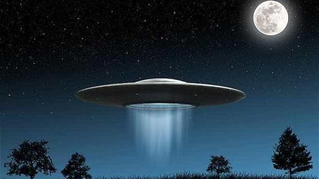 'Hora deixar de lado tabus sobre OVNIs', diz ex-oficial dos EUA