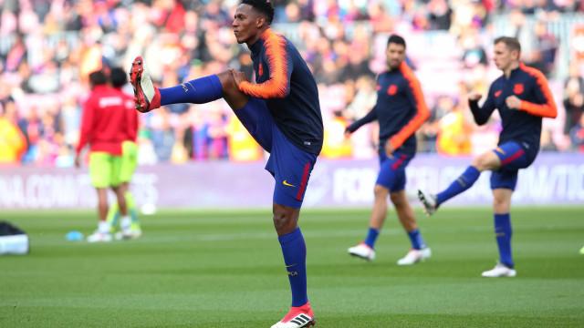 Chegada de Arthur pode causar saída de zagueiro ex-Palmeiras do Barça