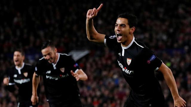 Sevilla vence fora e tira o Manchester United da Liga dos Campeões