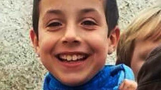 Menino de 8 anos foi morto pela companheira do pai na Espanha